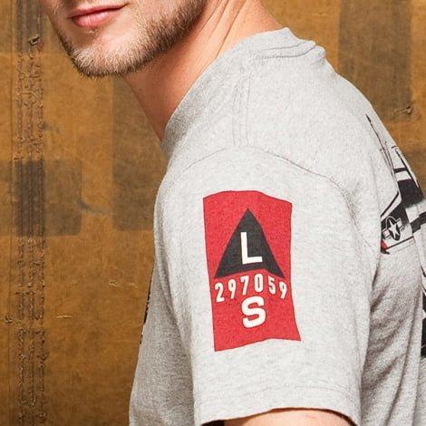 B17 t shirt thumb